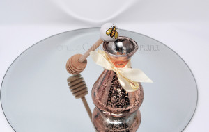 Spargimiele in ceramica decorato a mano, con tulle e confetti - Collezione Ceramiche di Vietri - €6.50